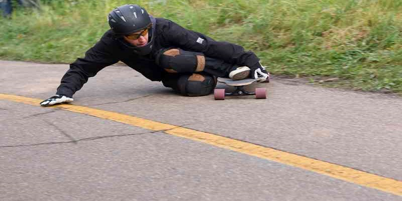 The Ultimate Guide of How to Longboard